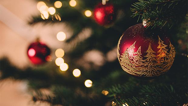 Christmas-Decorating image