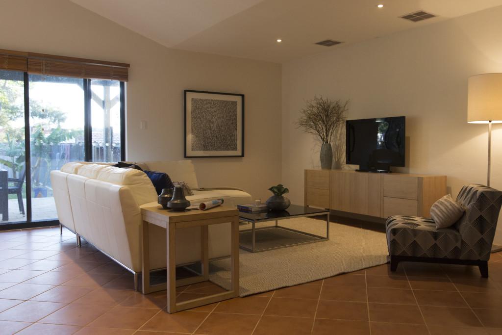11 Ashbourne Way Hamilton Hill - Family Room - Elders Real Estate Central